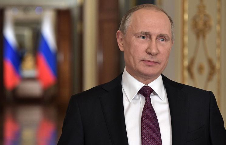 Путин поручил Минобрнауки повысить качество экспертизы учебников