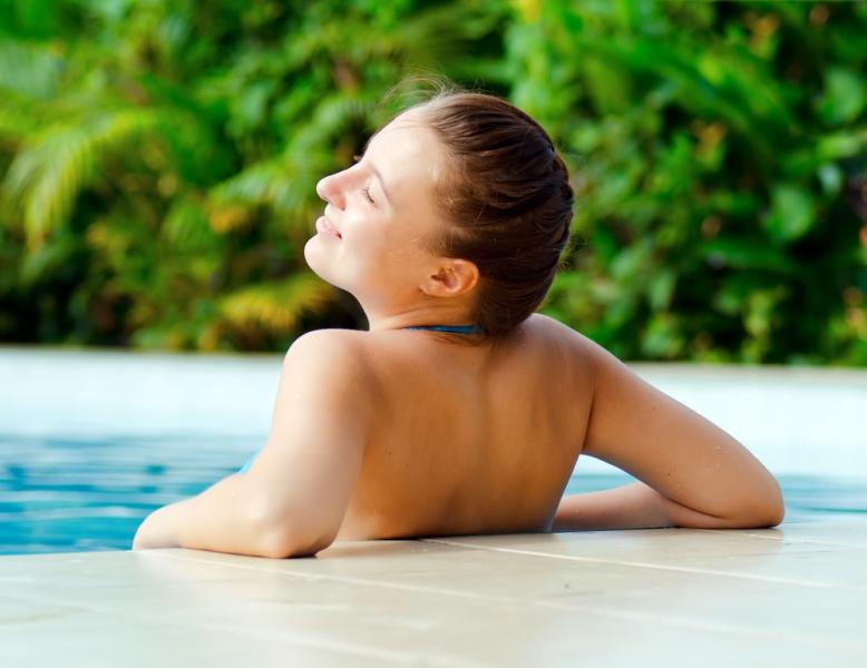 Солнцезащитные кремы нужно беречь от хлора