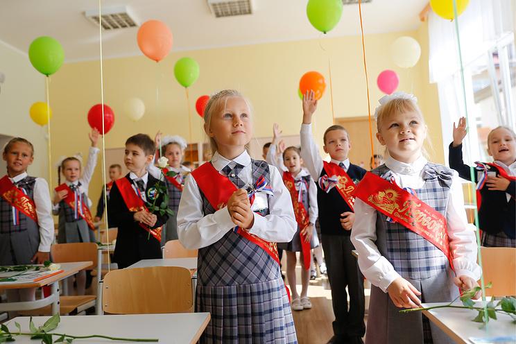 Минобрнауки не планирует сдвигать начало учебного года на 1 октября