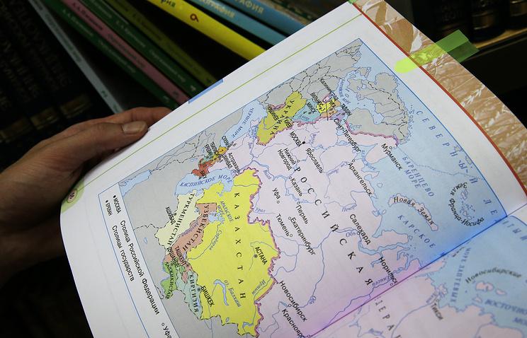 «Известия»: школьникам расскажут о воссоединении Крыма с РФ и санкциях Запада