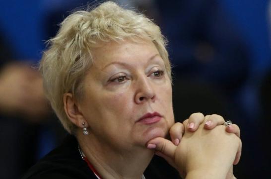 На бюджетные места поступает 57% выпускников школ – Васильева