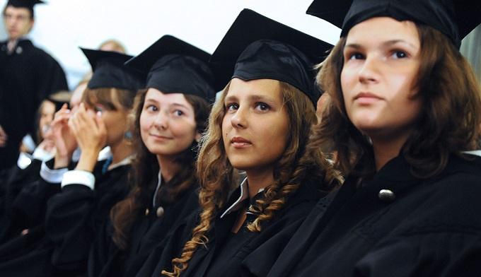 Выпускники вузов не работают по профилю