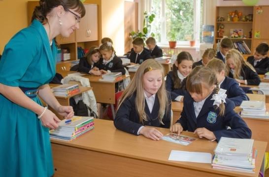 В Подмосковье нет острой нехватки педагогических кадров – Захарова