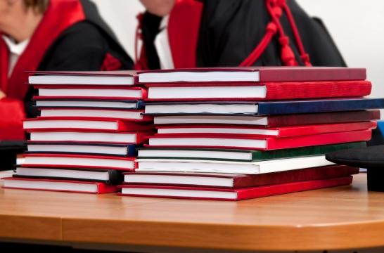 Ольга Васильева заявила о необходимости сокращения числа защит диссертаций в аспирантуре