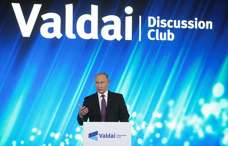 Путин: ЕГЭ ограничивает творчество