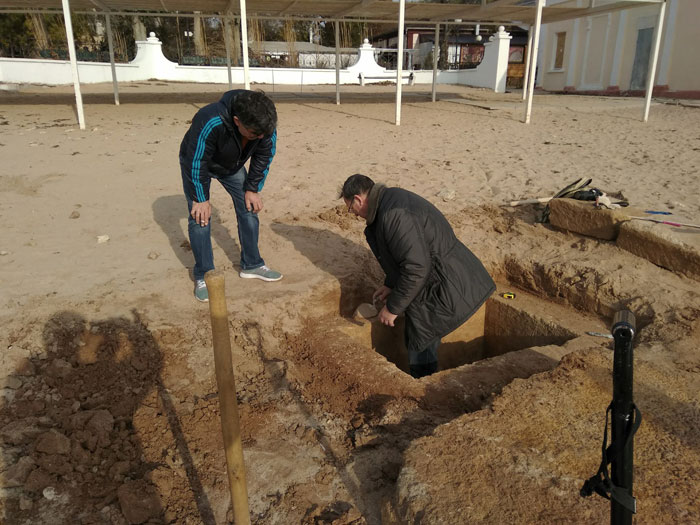 На крымском пляже нашли античное погребение