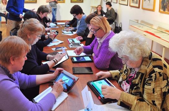 В университете для пожилых людей в Москве смогут проходить обучение 2,6 тысяч человек