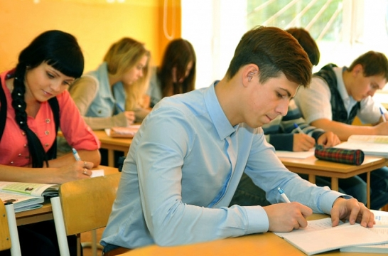 В России итоговое сочинение 6 декабря напишут 654 тысячи школьников