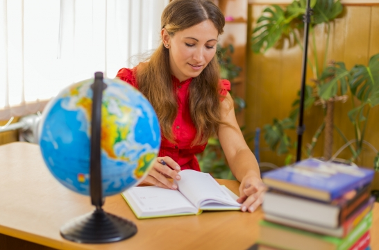 Необходимо повышать престиж профессии учителя – Синюгина