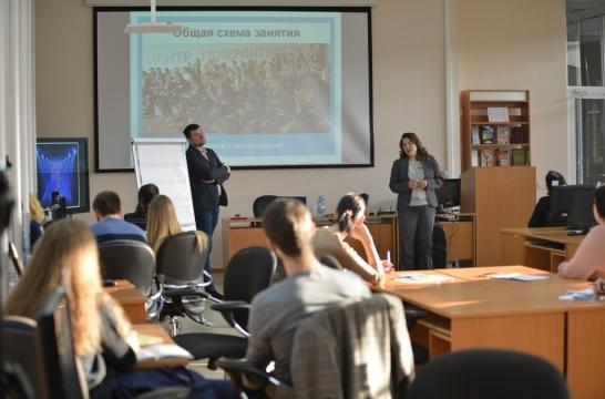 В 2018 году 600 педагогов получат сертификат программы повышения квалификации «Я – Россиянин»