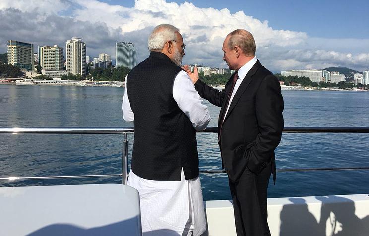 "Путин и Моди совершили морскую прогулку на корабле ""Чайка"""