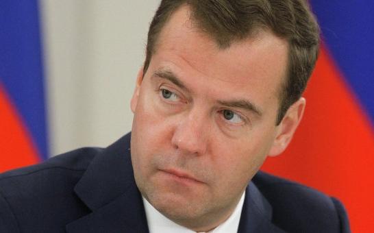 Медведев предложил сконцентрировать все возможности СПбГУ в одной географической точке