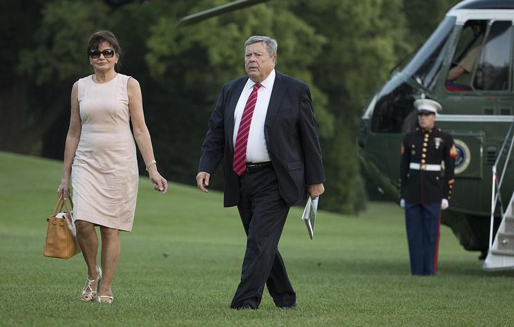 NBC: родители Меланьи Трамп получили гражданство США