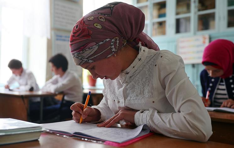 Власти Дагестана в 2018 году выделили более 200 млн рублей на закупку учебников