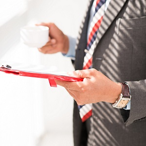 Переоформление лицензий при изменении наименования лицензируемого вида деятельности: необходимость корректировки должна определяться актом, вносящим изменения