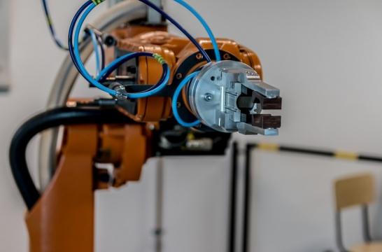 В Петербурге открылся первый в России образовательный центр промышленной робототехники