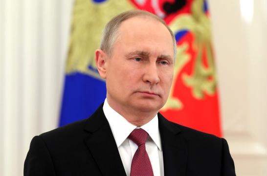 Президент России Владимир Путин поздравил педагогов с Днем учителя
