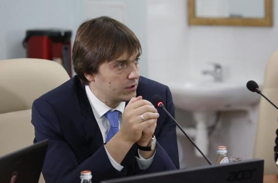 В новом законе об образовании было введено понятие лицензировании и аккредитации – Кравцов