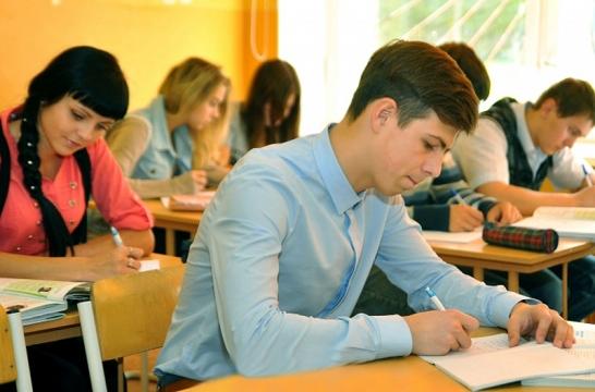 В Подмосковье более 34 тысяч выпускников школ написали итоговое сочинение