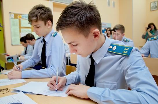 В Минпросвещения России обсудили вопросы кадетского образования
