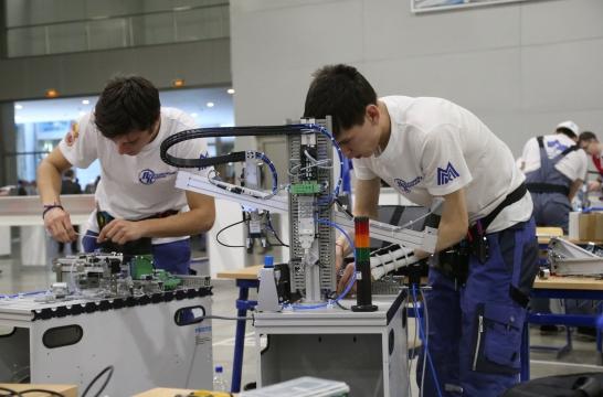Система СПО включает более 3,5 тысяч колледжей и техникумов и 360 вузов – Васильева