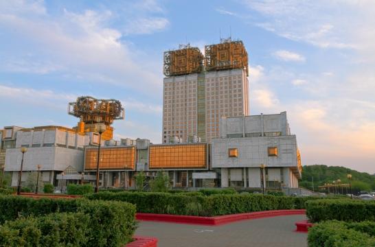 В пилотном проекте создания базовых школ РАН примут участие 110 школ – Хохлов