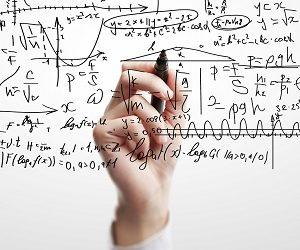 Уравнение с несколькими переменными: каким юристом быть выгоднее?